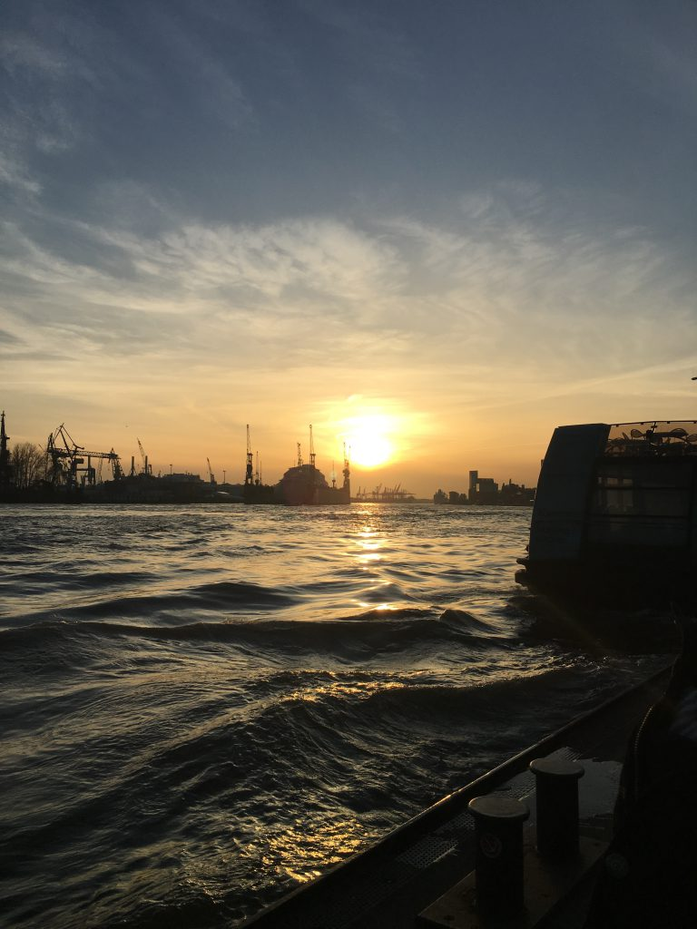 Sonnenuntergang Hamburger Hafen